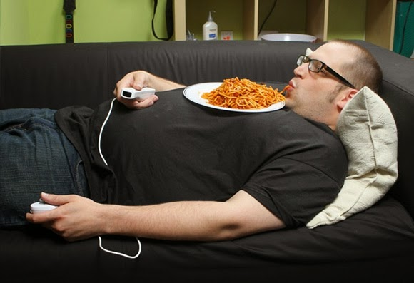 lazy-man-eating-spaghetti